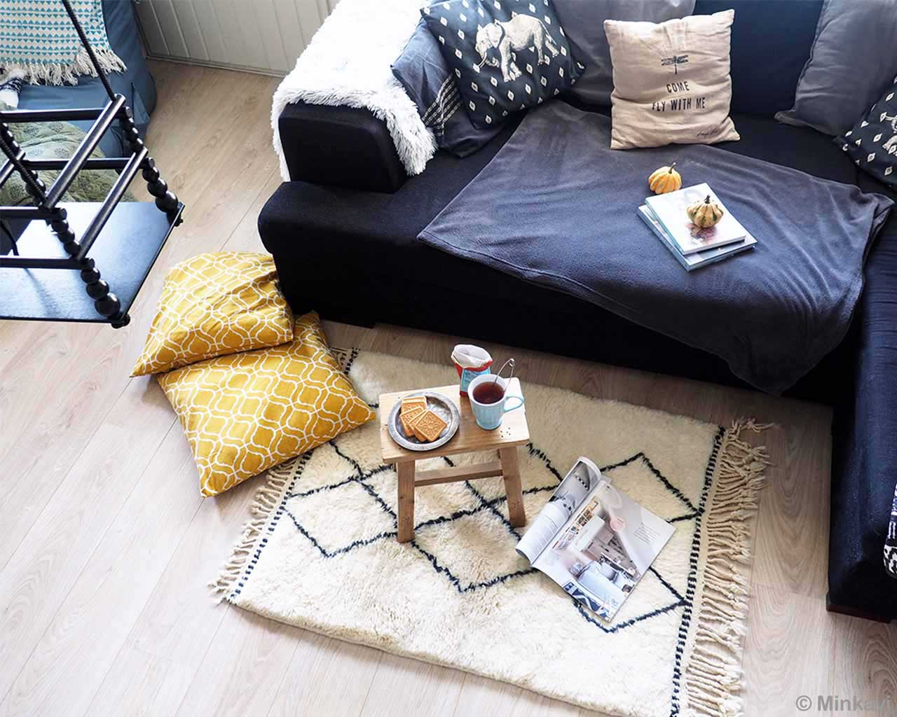 hand knotted sofa tea biscuits and cushions carpet