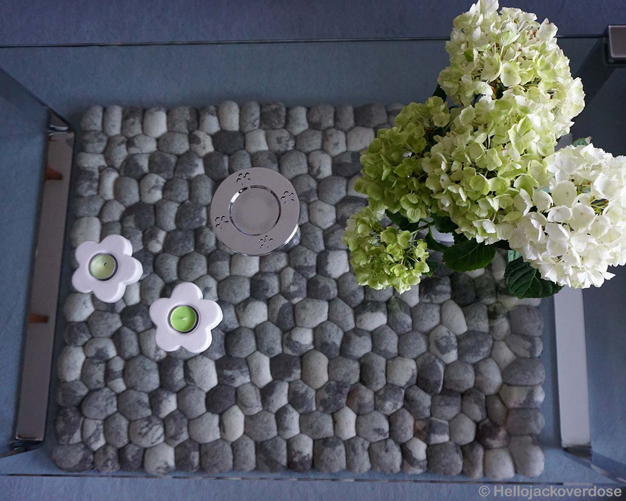 vase and flowers oriental gray and black rugs