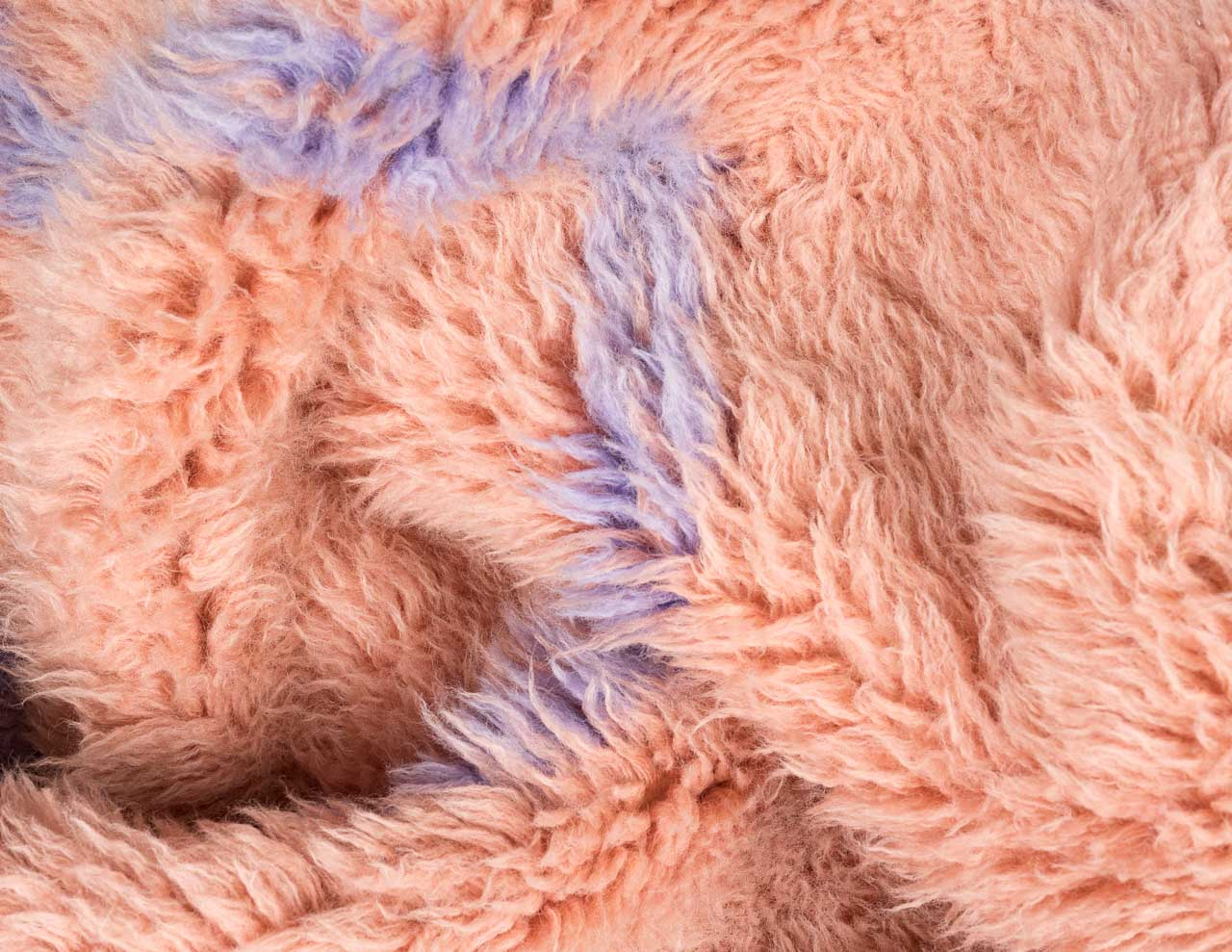 flexible rug pink in shade