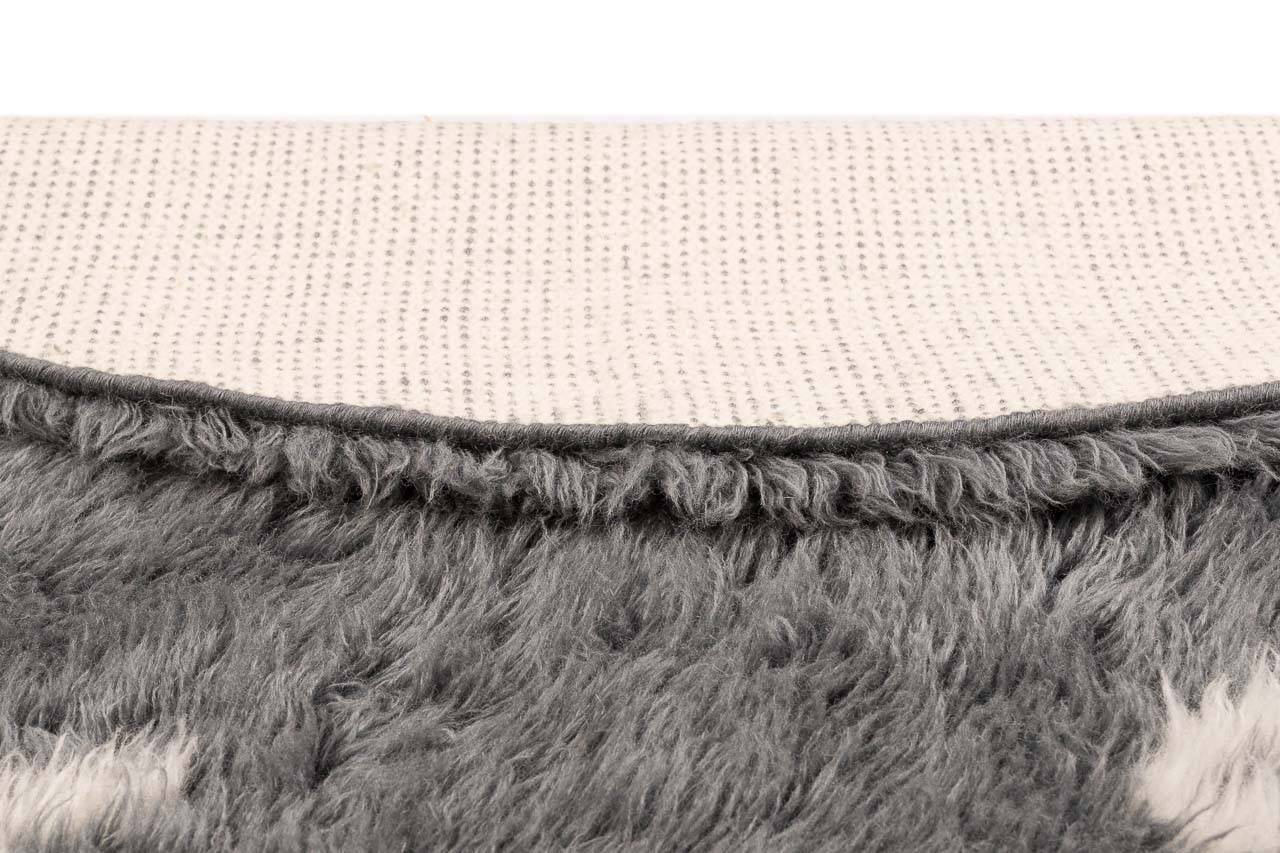 light weight grey rug with pattern