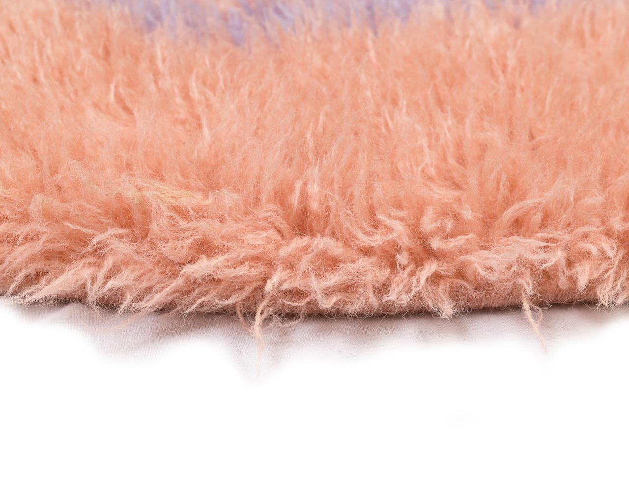 silky round rug for everyday use in pink shade