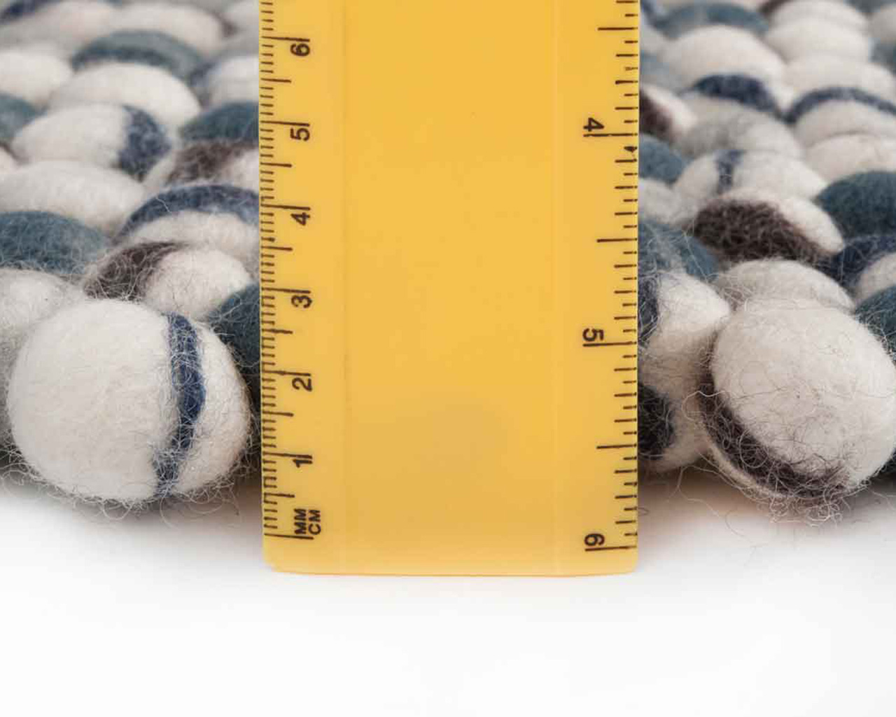 soft woolen rugs thick