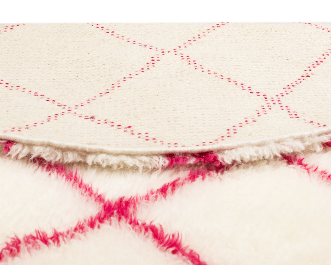 white shade rug with square paterns